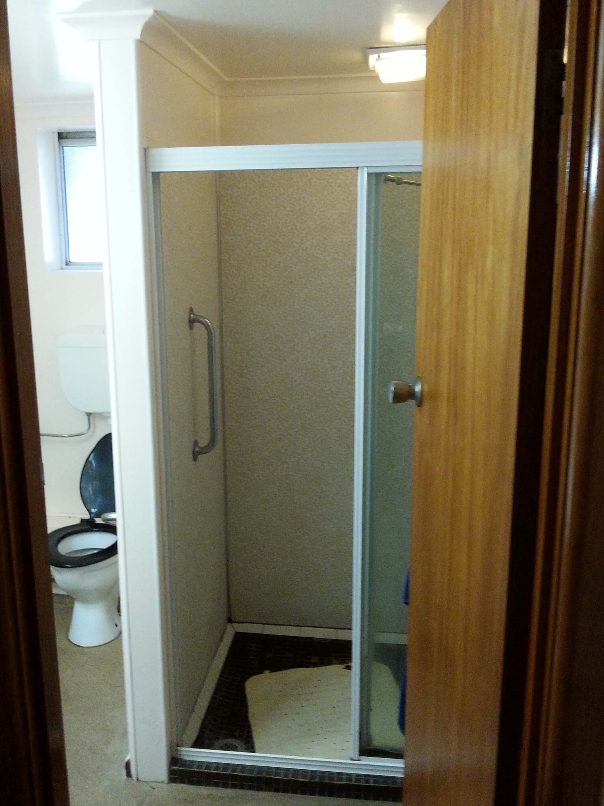 1960s Bathroom before renovation
